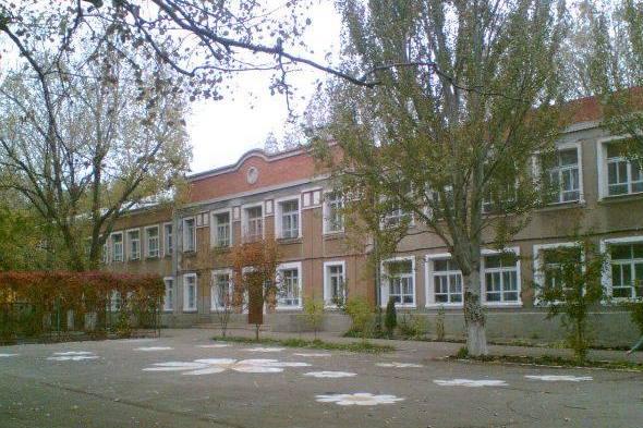 Прокуратура и НАПК проводят проверку по конфликту интересов в школе №5